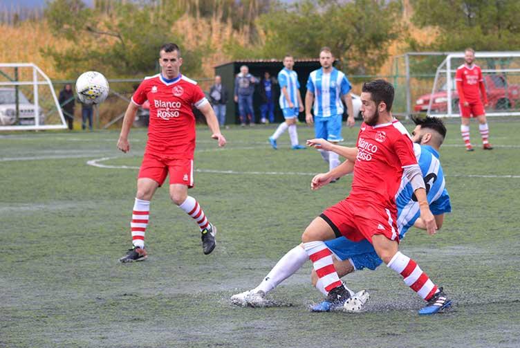 Ακούνητος από την 1η θέση ο ΑΟ Τσιλιβή κέρδισε και τον Εθνικό Σκουλικάδου με 4-0