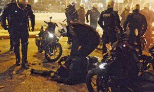 """Χούλιγκαν από έξι διαφορετικές ομάδες στα επεισόδια στη Νέα Σμύρνη – """"Ενωμένοι"""" κατά των αστυνομικών"""