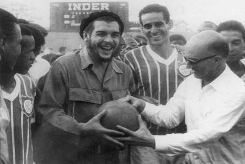 «Το ποδόσφαιρο δεν είναι ένα απλό παιχνίδι, είναι κι ένα όπλο της Επανάστασης»