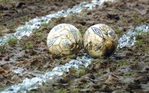 Κολλημένο στη «λάσπη» παραμένει το Ελληνικό ποδόσφαιρο…