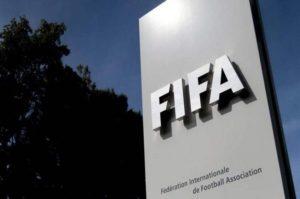 Έρχεται το… νέο ποδόσφαιρο: Διάρκεια αγώνα 60′, απεριόριστες αλλαγές και πεντάλεπτες αποβολές!